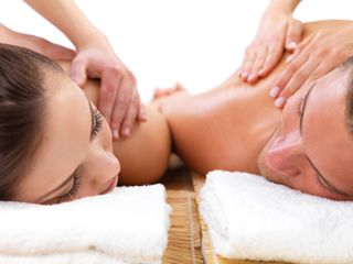 Massage ayurvédique ou californien